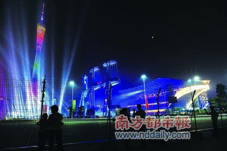 亚运会令广州面貌焕然一新,图为广州塔夜景。