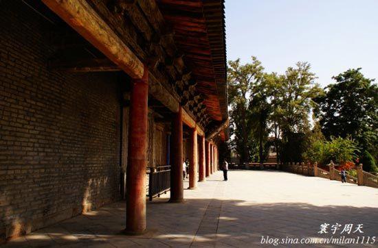 大佛寺院内
