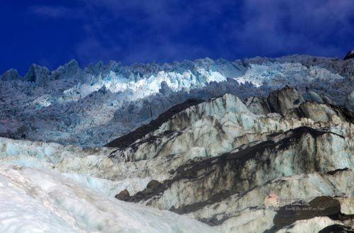 如仙境般的弗朗兹。约瑟夫冰川的顶峰景观