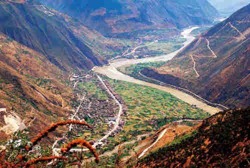 自然地理和人文景观的天然分界线