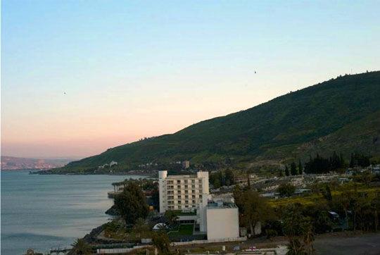 清晨的加利利湖沿岸