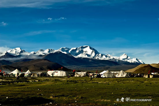 珠峰是无数探险者与旅行者的梦想之地