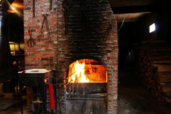 炼糖屋里的壁炉