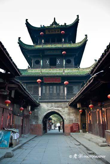 古城内的城楼