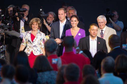 威廉王子夫妇出席国庆日当晚在国会山庄前举办的大型音乐会庆典活动