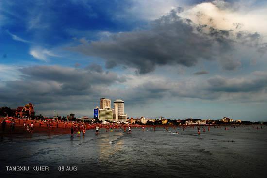 新浪旅游配图:青岛海滨浴场 摄影:唐绣儿葵儿