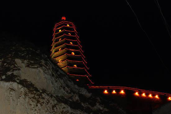 夜色凌霄塔