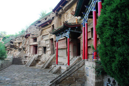 红石峡题刻、石匾和各类碑记共有200种之多