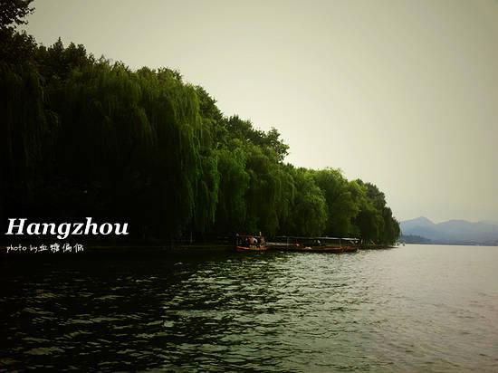 新浪旅游配图:西湖 摄影:血糖偏低
