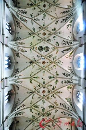 精美绝伦的天花板壁画