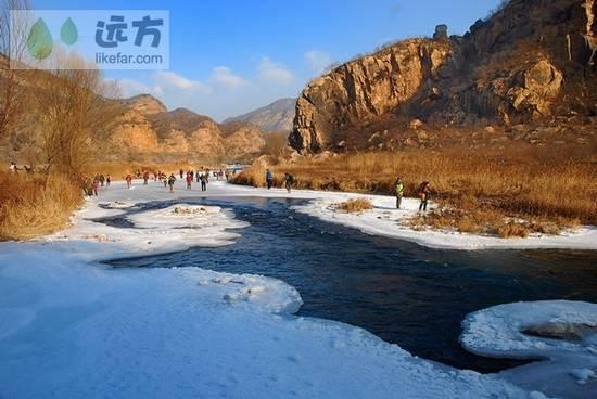白河走冰的人们 (摄:山水行)
