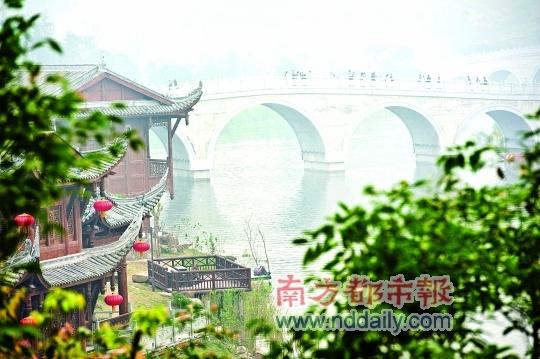 重庆园博园内的听雨桥。IC供图