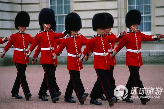 伯明翰宫的卫兵交接仪式