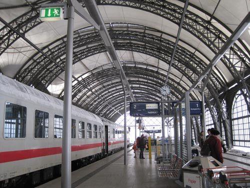 德国铁路一直以高效、舒适、准点而著称