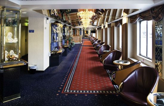 大气典雅的海达路德号邮轮走廊