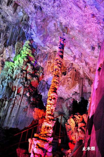 新浪旅游配图:美丽的溶洞 摄影:止水微澜