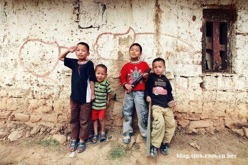 """理想国不丹:让人瞠目结舌的""""生殖崇拜"""""""