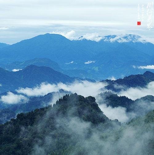 新浪旅游配图:瓦屋山 摄影:养龙