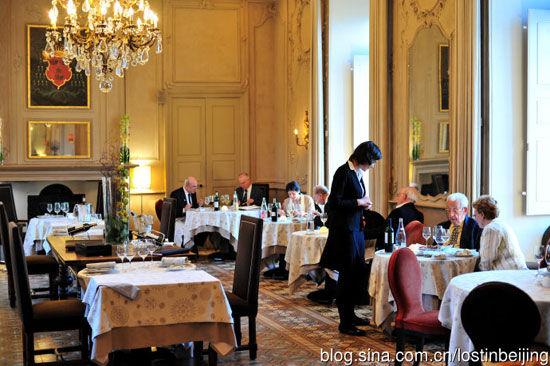城堡酒店一楼的米其林一星级餐厅