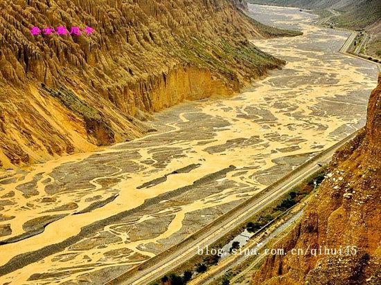 新浪旅游配图:奎屯大峡谷 图:圣女莫尼卡 的新浪博客
