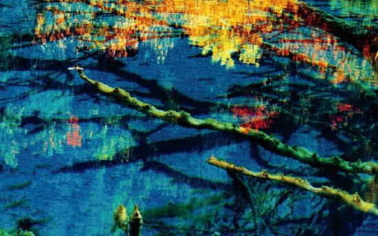 九寨沟:潋滟秋水里的童话世界