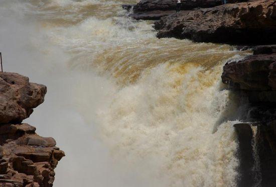 新浪旅游配图:咆哮的黄河 摄影:闲云孤鹤
