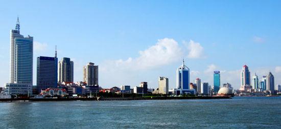 青岛的海岸线很长,也是风光最优美的地方
