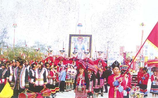 贺州民族文化节 图片来源:新华网