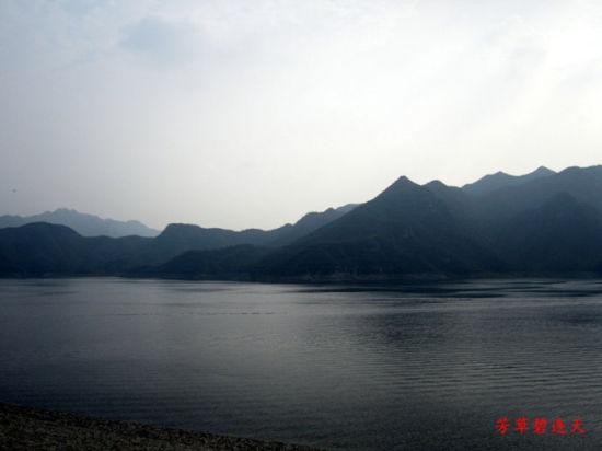 """""""北方小桂林""""易水湖"""