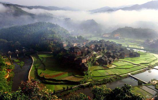 美丽的贝江风景区 图片来源:新浪旅游