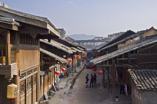 站在楼上俯瞰古镇 图片来源:桂林花园to旅游特产 新浪博客