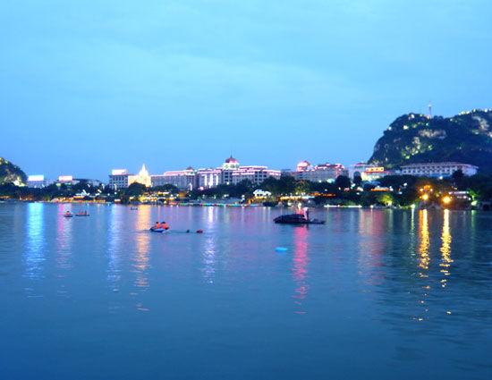 柳州夜景 图片来源:田原 新浪博客