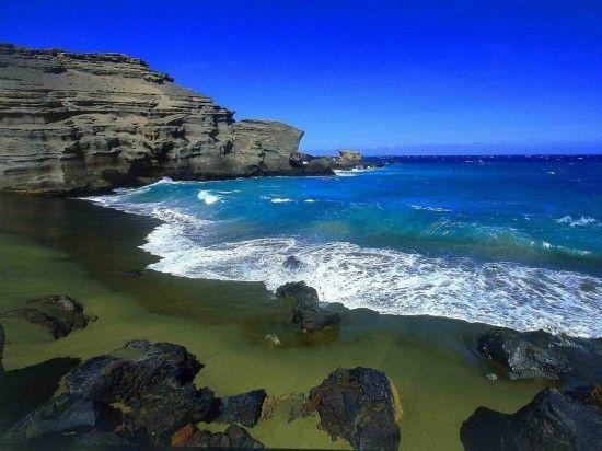 夏威夷的绿色海滩