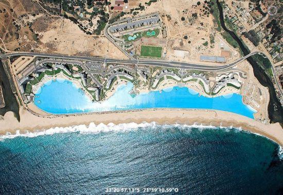 智利的圣阿方索德米白色海滩
