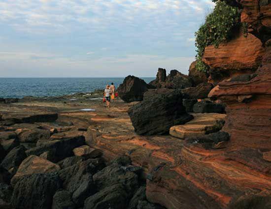 地貌岩石各具特色 图片来源:建钢摄影 新浪博客
