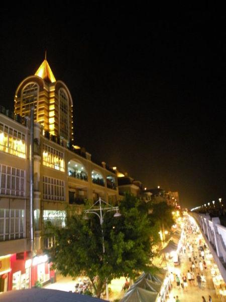 梧州的夜灯火辉煌(图/ 朗月清风 新浪博客)