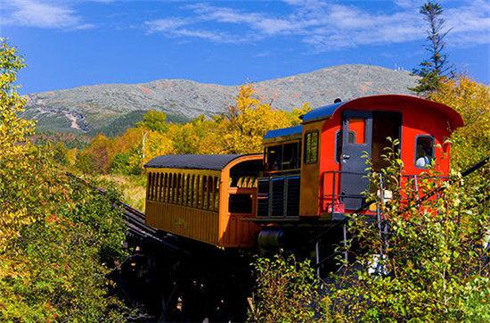 火车上的北美风景 宁静之中细品秋叶美景_新浪旅游
