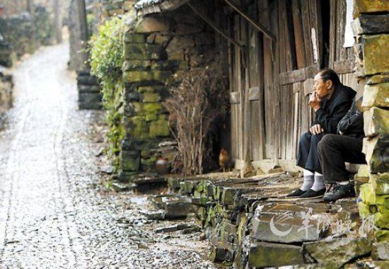 宁波宁海县东部许家山村,是宁波市石头建筑群规模最大、保存最完整的石屋古村
