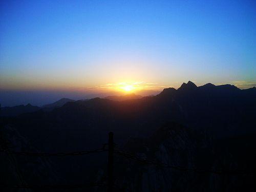 西峰看日出