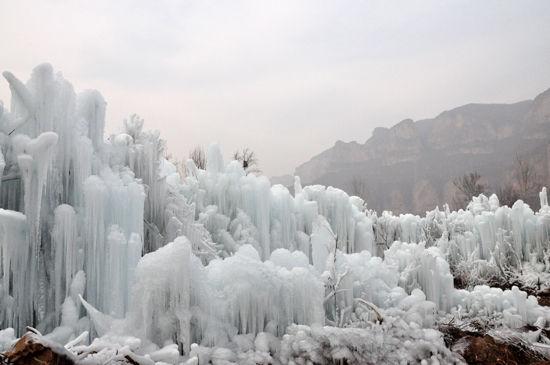 中国 河北 石家庄 沕沕水 正文    沕沕水生态风景区,位于平山县西南