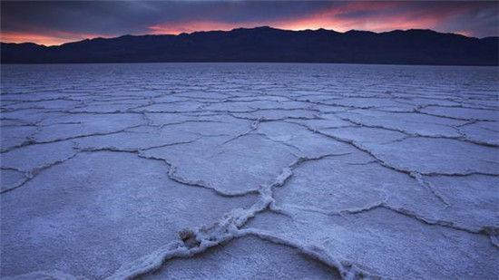 恶水盆地与月球的表面颇有几分相像