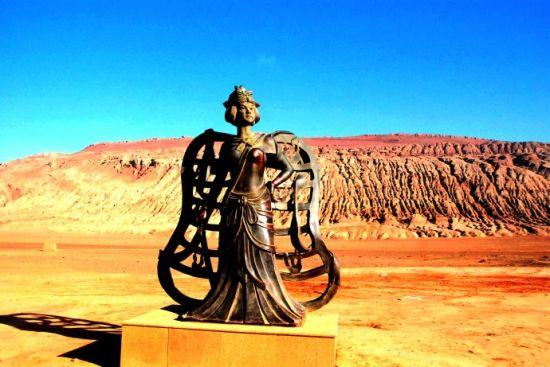 铁扇公主铜像-吐鲁番盆地 亲见火焰山