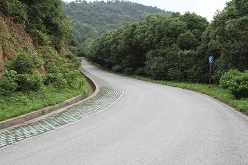 幽静的盘山公路