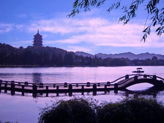 杭州西湖   这些秀水青山的景色,都是古代的文人墨客用无限诗情画图片