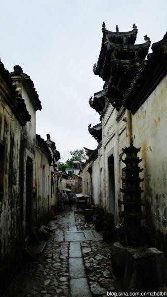 """德公厅屋,也被村人称为""""举人坊"""",藏在一条窄巷里"""