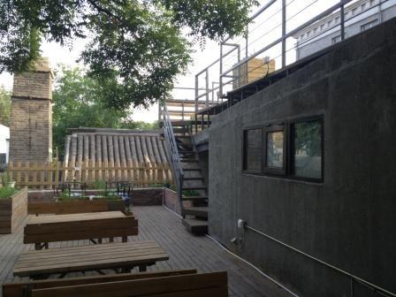 小剧场屋顶露台 来源:HAN_STA的博客
