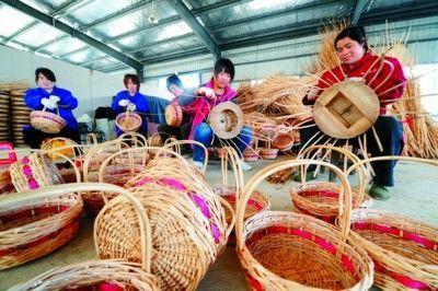 连云港柳编   柳编是中国民间传统手工艺品之一