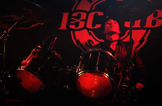 图:Joker乐队在13club表演 来源:Young的博客