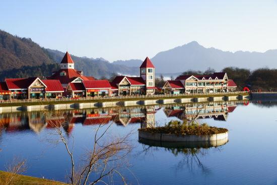 西岭雪山国庆节免门票吸引游客纷纷前来