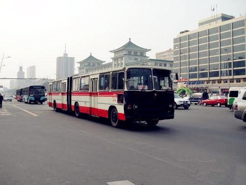 1路公交车换新装前